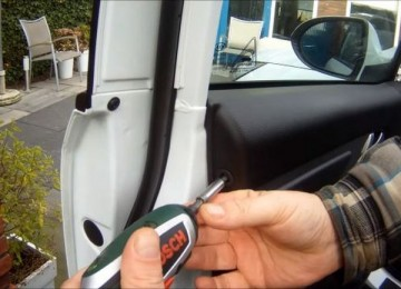 Снятие обшивки передних дверей Киа Спортейдж
