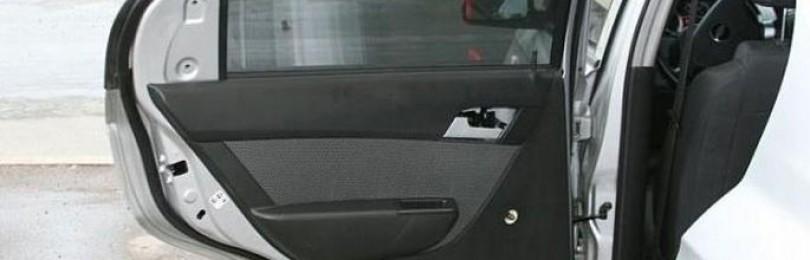 Снятие обшивки передних дверей Шевроле Авео