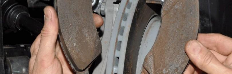 Замена передних тормозных колодок Chevrolet Cruze
