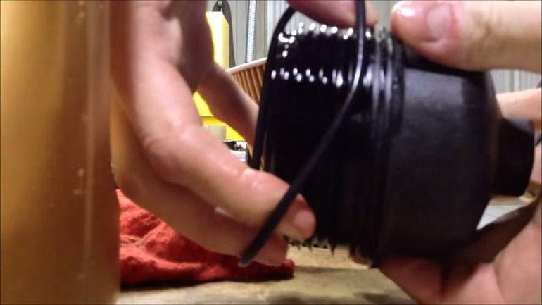 Замена уплотнителя масляного фильтра.