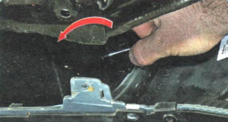 Демонтаж датчика наружной температуры Шевроле Авео