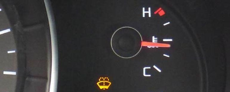 киа рио где температура двигателя на панели