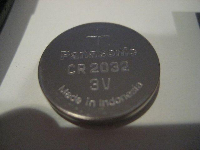Замена батарейки в брелке Киа Соренто