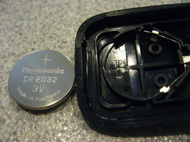 Замена брелка батарейки Хендай Санта Фе