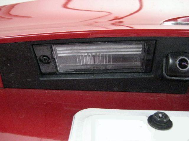 Замена лампы подсветки номера Хендай Ix35