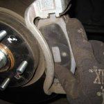 Замена передних тормозных колодок Хендай Ix35