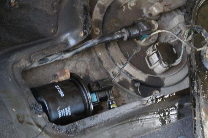 Замена топливного фильтра на автомобиле Hyundai Accent