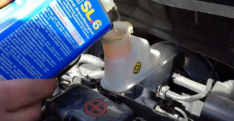 Замена тормозной жидкости Киа Рио