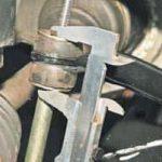 Замена элементов переднего стабилизатора на Ланосе