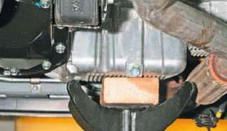 Снятие коробки передач ланос