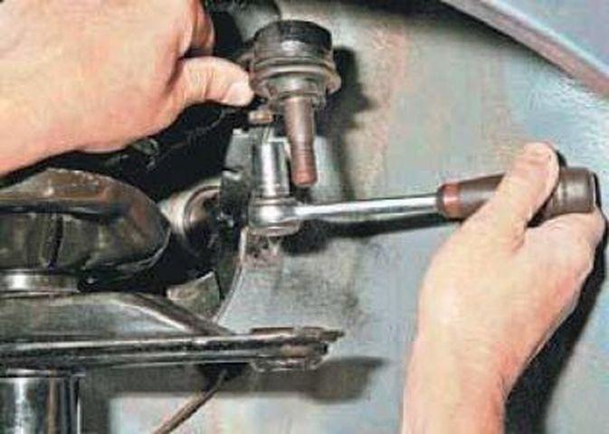 Замена рулевого наконечника Шевроле Ланос