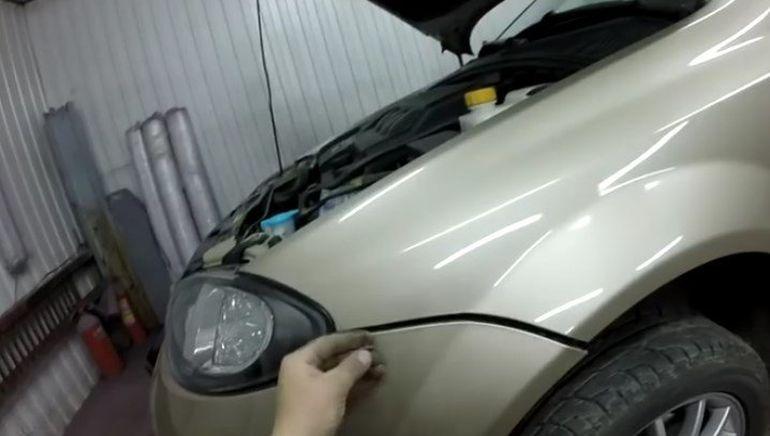 Снятие переднего бампера Шевроле Лачетти