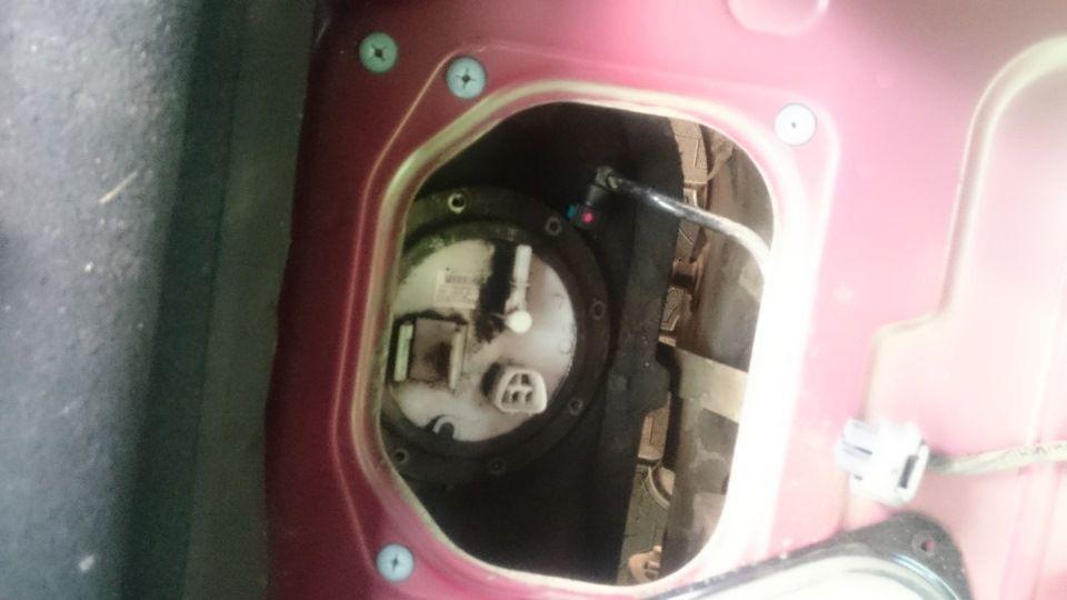 Замена топливного фильтра на автомобиле Kia Optima