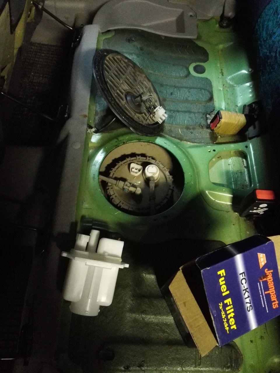 Замена топливного фильтра на автомобиле Kia Picanto