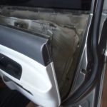 Снимаем внутреннюю обшивка двери Hyundai Accent