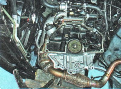 Отсоединяем КПП и сцепление Chevrolet Aveo