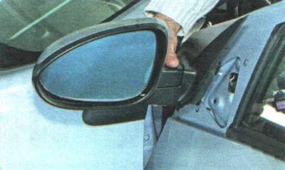 Снимаем зеркало Шевроле Авео