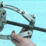 Откручиваем ротор Шевроле Лачетти