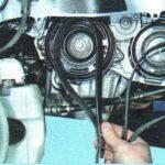 Демонтируем ремень вспомогательных механизмов Шевроле Авео