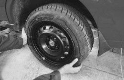 Замена колеса Daewoo Lanos