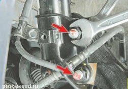 Крепление стоки амортизатора к поворотному кулаку KIA Ceed