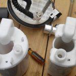 Разобранный топливный фильтр Киа Сид