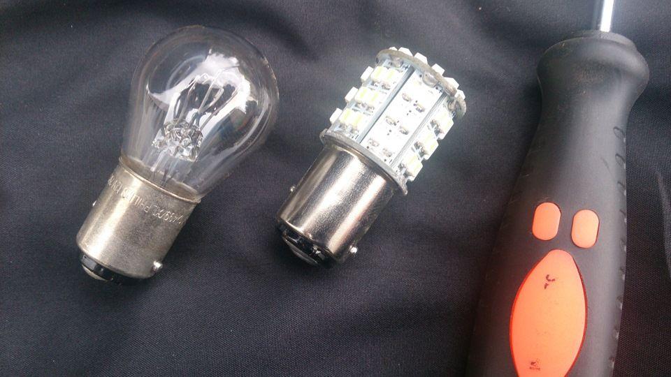 Замена ламп дневных ходовых огней Kia Ceed