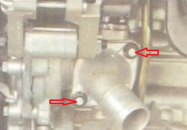 Крепление корпуса термостата к блоку цилиндров Kia Ceed