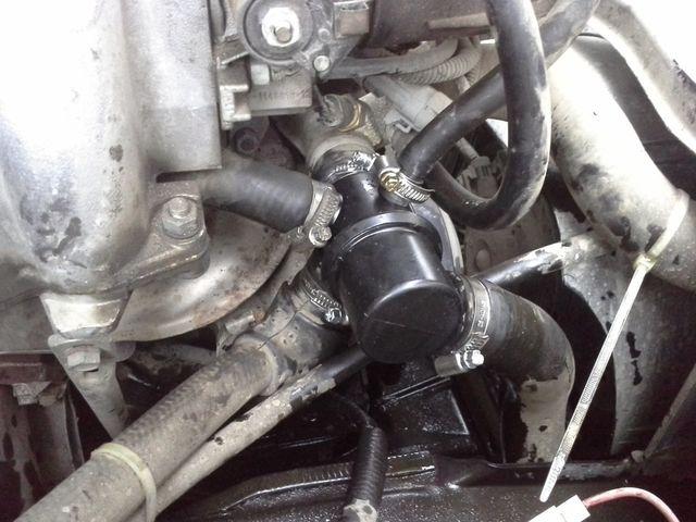Новый термостат на автомобиле
